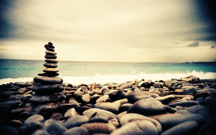 Rock Stack on the beach - Beautiful Lomo Snapshots Views:9250