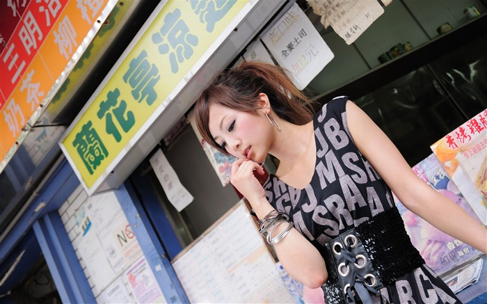Taiwan beautiful girl fruit wallpaper 06 Views:11290 Date:7/14/2011 8:01:28 PM
