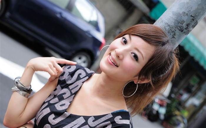 Taiwan beautiful girl fruit wallpaper 10 Views:21764 Date:7/14/2011 8:03:06 PM