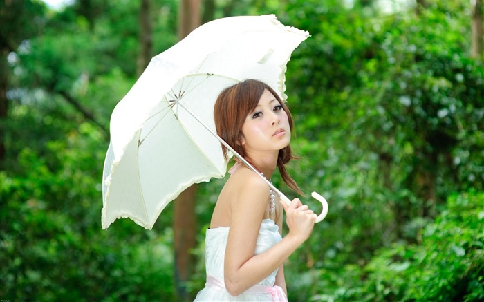 Taiwan beautiful girl fruit wallpaper 16 Views:9577 Date:7/14/2011 8:05:47 PM
