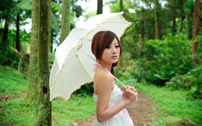 Taiwan beautiful girl fruit wallpaper 17 Views:14595 Date:7/14/2011 8:06:11 PM