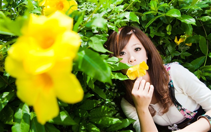 Taiwan beautiful girl fruit wallpaper 18 Views:8591 Date:7/14/2011 8:06:33 PM