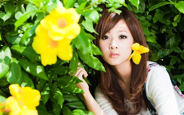 Taiwan beautiful girl fruit wallpaper 19 Views:8073 Date:7/14/2011 8:06:55 PM
