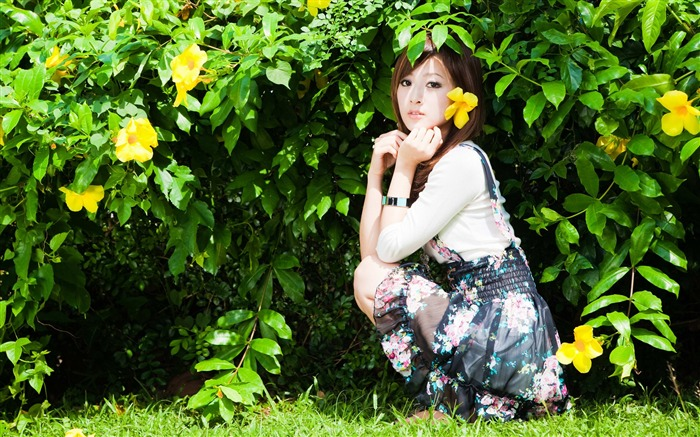 Taiwan beautiful girl fruit wallpaper 20 Views:9174 Date:7/14/2011 8:07:20 PM