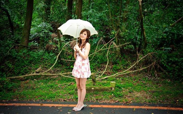 Taiwan beautiful girl fruit wallpaper 22 Views:8085 Date:7/15/2011 12:09:48 AM