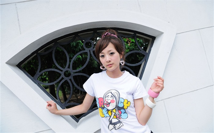 Taiwan beautiful girl fruit wallpaper 29 Views:7641 Date:7/15/2011 12:24:51 AM