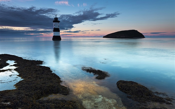 British North Wales Brougham lighthouse wallpaper Views:13956