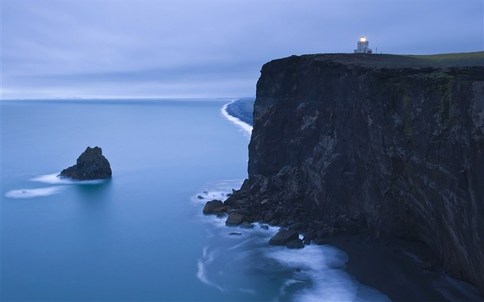 Iceland Dyrholaey lighthouse wallpaper Views:17745