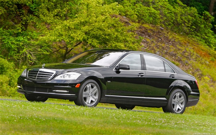 Mercedes-Benz S600 - 2010 wallpaper Views:7240