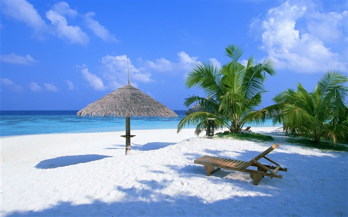 Beach Rest Place-Nature Landscape Desktop Wallpaper Views:47515