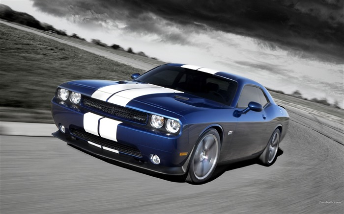 Blue and white test drive-Dodge Challenger SRT8 392 2012 models HD wallpaper Views:8501