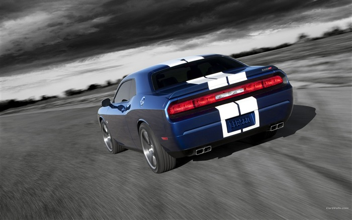 Blue and white test drive - rear-Dodge Challenger SRT8 392 2012 models HD wallpaper Views:4440