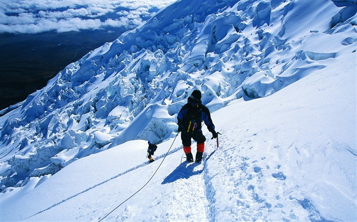 Mountain climbing- SPORT Wallpaper Views:22179