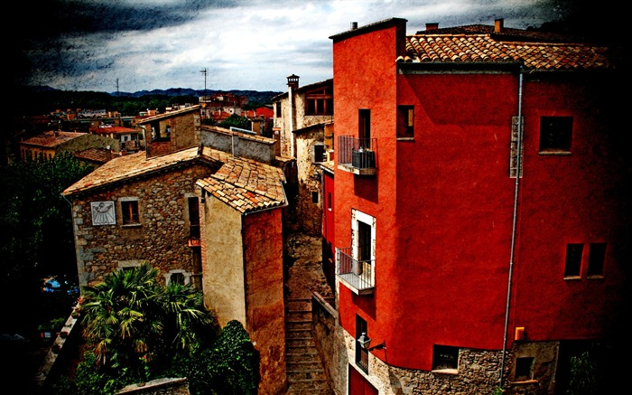 Red House-Spain Girona city landscape2 Views:3314