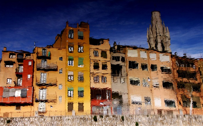 The reflection of the water house-colorful houses Girona Spain Views:4175