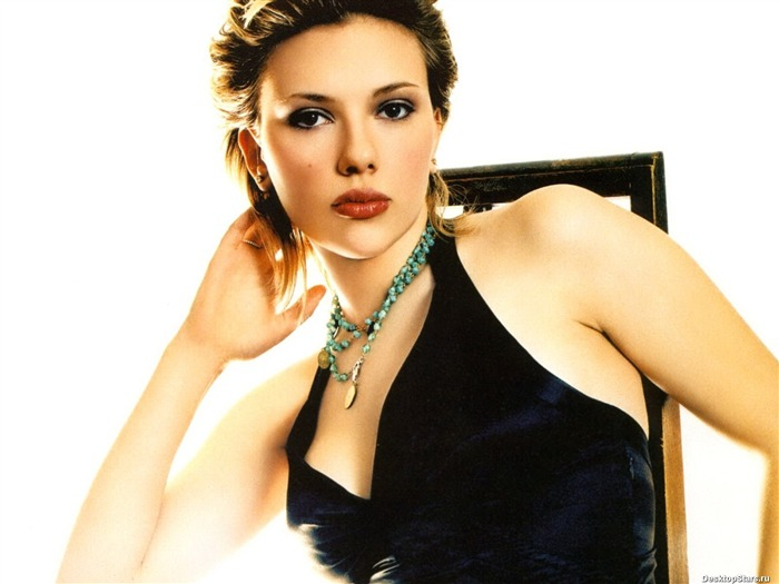World top ten sexiest female star-Scarlett Johansson-Wallpaper 26 Views:3543