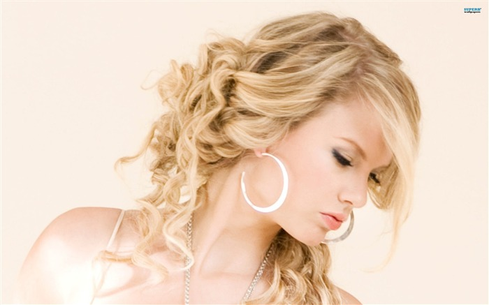 American country music singer - taylor swift 22 Views:6413