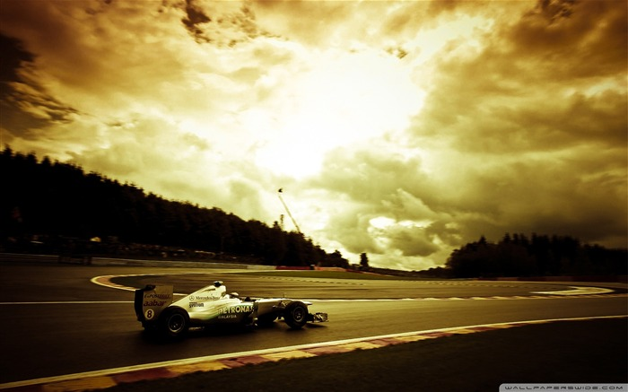 Mercedes GP-F1 Formula Racing Wallpaper Views:15340 Date:10/10/2011 1:18:37 AM