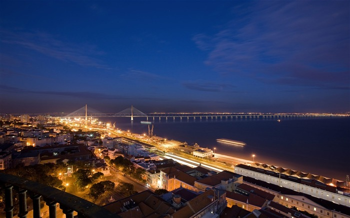 Nocturna New Lisbon Bridge-Travel in the world - photography wallpaper Views:5758