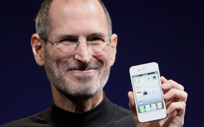 Steve Paul Jobs and his Apple iphone4 Views:12358