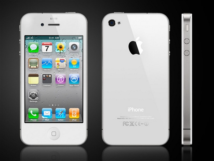 Steve Paul Jobs and his Apple iphone4 pro Views:5038