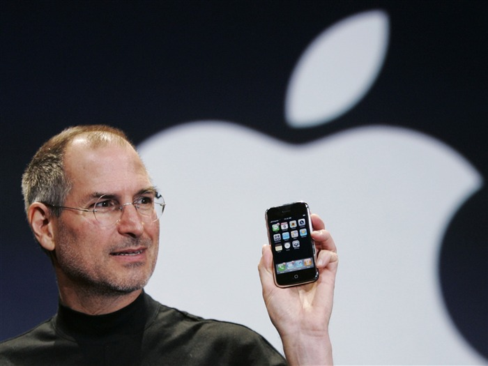 Steve Paul Jobs and his Apple iphone Views:13388