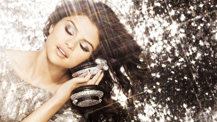 Selena Gomez-European and American actress wallpaper album 03 Views:8898