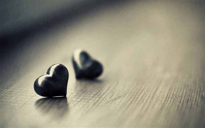 two black hearts-love wallpaper pictures Views:5859