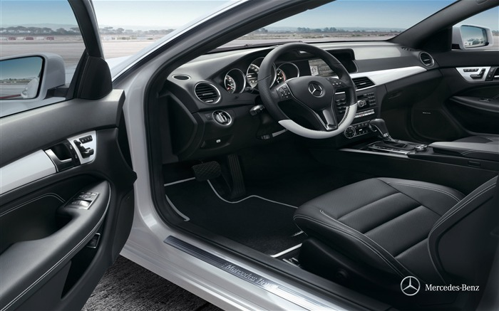 Coupe C350 operating space wallpaper Views:4479