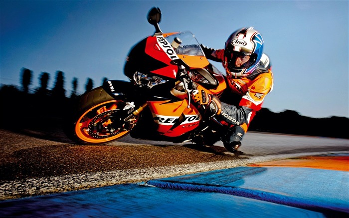 Superbike Racing-Motorcycle racing desktop wallpaper Views:12586