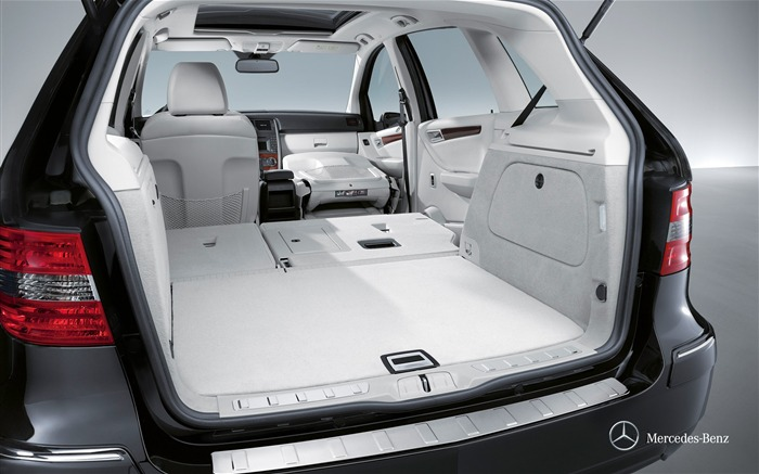 Mercedes-Benz B-class trunk space wallpaper 1500L Views:8678