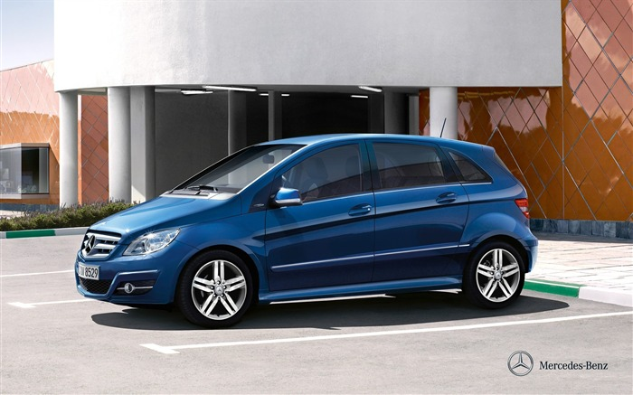 Mercedes-Benz B180 wallpaper Views:9591