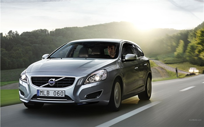 Volvo V60 Plug-in Hybrid HD Car Wallpaper Views:9614