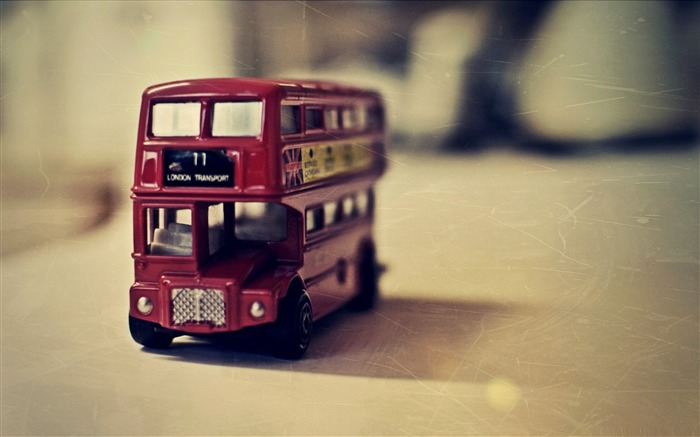 old english bus toy-LOMO style photography Desktop third series Views:9348