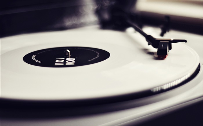 vinyl record player black and white-LOMO style photography Desktop third series Views:24514