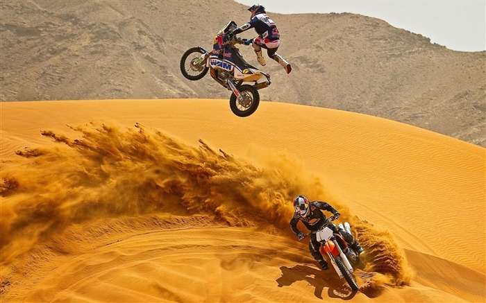 MOTORCYCLE IN THE DUNES-outdoor sports Desktop picture Views:6116 Date:1/1/2012 4:46:37 PM