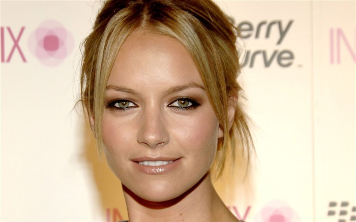 Becki Newton beautiful star Wallpaper 03 Views:7905