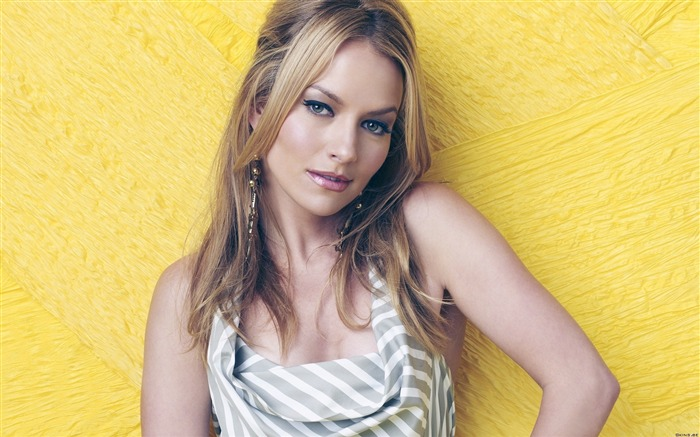 Becki Newton beautiful star Wallpaper 10 Views:5190