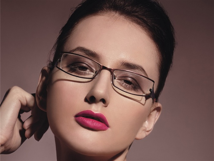 Charming beauty model glasses advertising Wallpaper 08 Views:11523