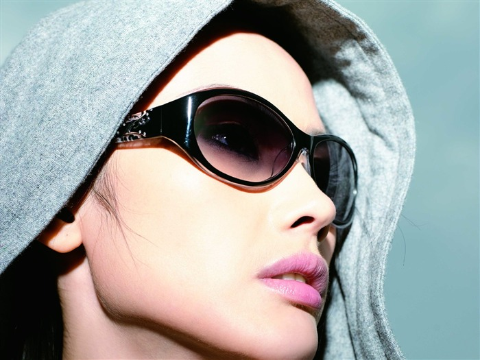 Charming beauty model glasses advertising Wallpaper 11 Views:13486