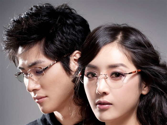 Charming beauty model glasses advertising Wallpaper Views:7362