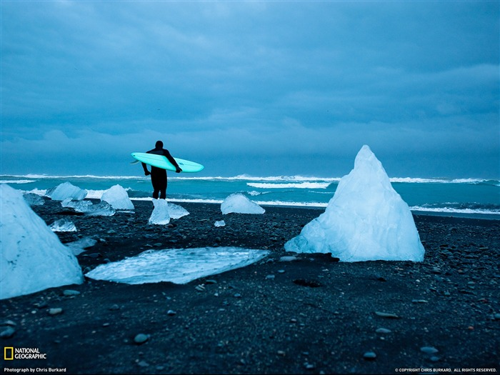 Cold Water Surfing Iceland-National Geographic Travel Photos Views:5984