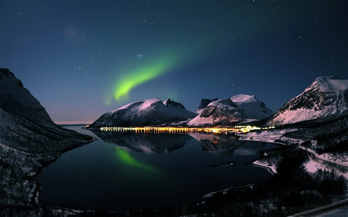 aurora-Beautiful mountain scenery picture Views:17648