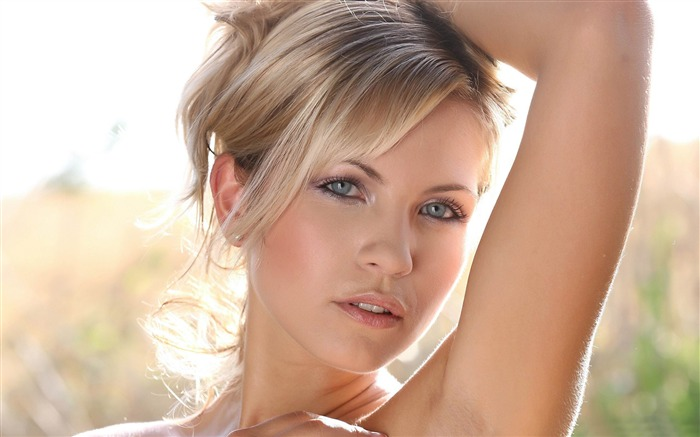 Title:blonde woman with blue eyes-Sexy beauty HD photo wallpaper Views:21467