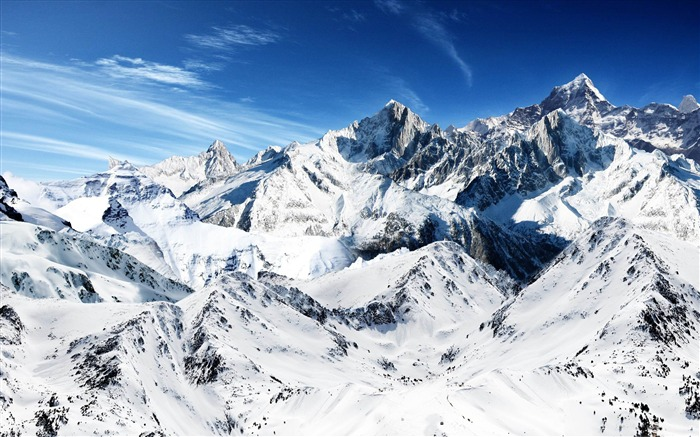 snowy mountain peaks-Beautiful mountain scenery picture Views:7556