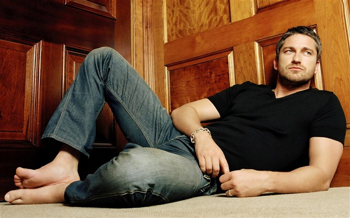Gerard Butler-Global Male celebrity Photo Wallpaper Views:9114