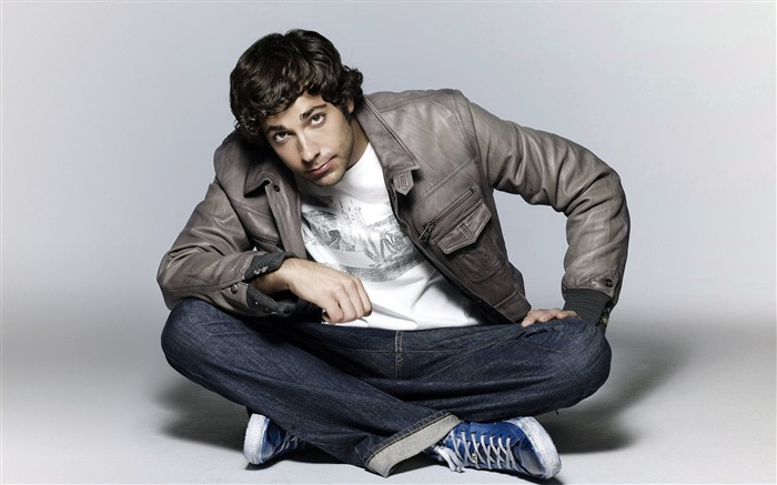 Zachary Levi-Global Male celebrity Photo Wallpaper Views:7211