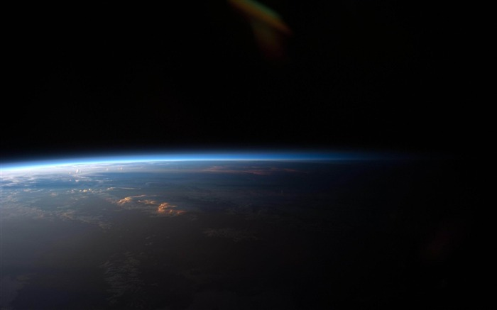 earth day and night from space-Space exploration secret wallpaper Views:24724