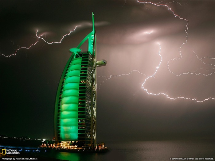 Lightning Dubai-National Geographic 2011 Best Wallpapers Views:2907