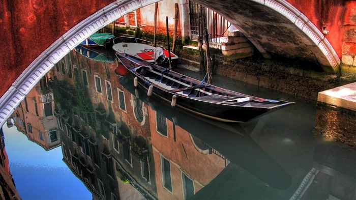 Venice boat-Urban landscape photography Views:2807
